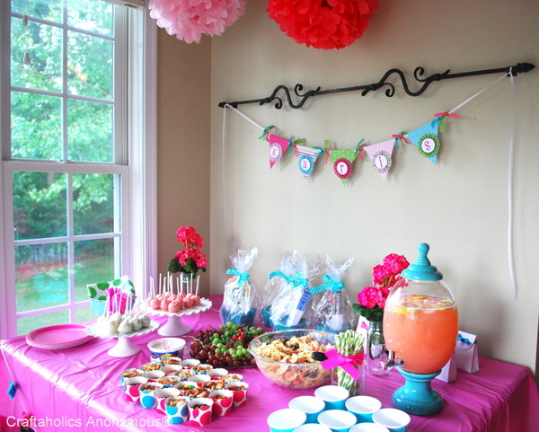 There are numerous baby shower ideas that work todayideas for Baby shower room decoration